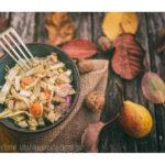 Salade de chou pointu, poires et noix